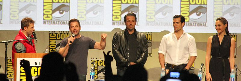von links nach rechts: Chris Hardwick, Zack Snyder, Ben Affleck, Henry Cavill und Gal Gadot. © Neon Tommy / cc-by-sa-2.0