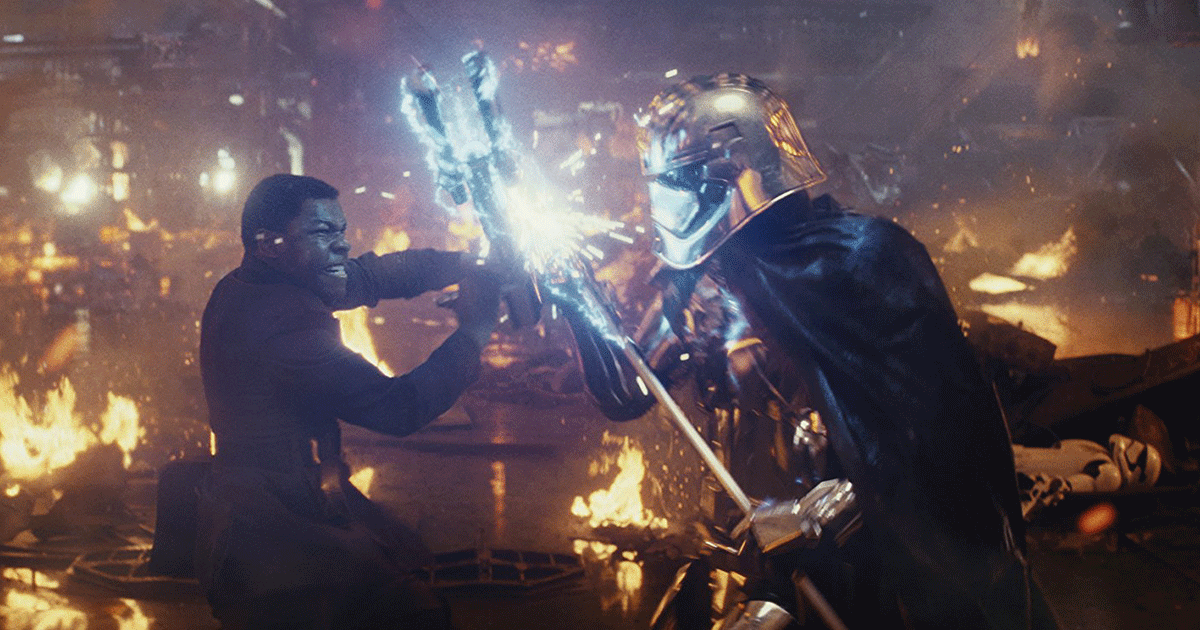 Finn gegen Captain Phasma. (c) Lucasfilm Ltd.